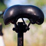 女性のクロスバイクのサドルの高さ・角度はどれぐらい?交換はどうするの?